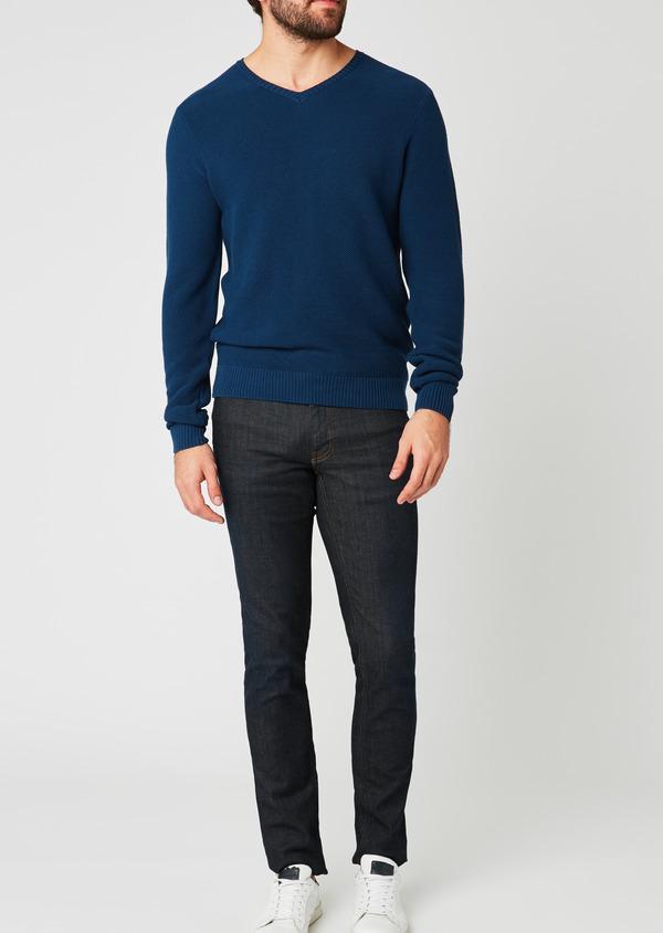 Pull en coton col V texturé bleu indigo - Father and Sons 20233