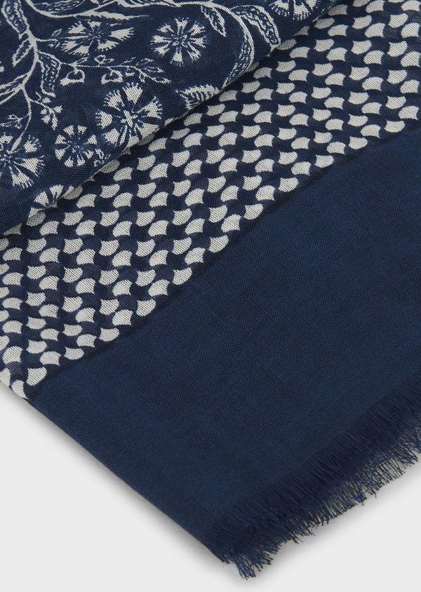 Echarpe en modal bleu à motif fleuri blanc - Father and Sons 6266