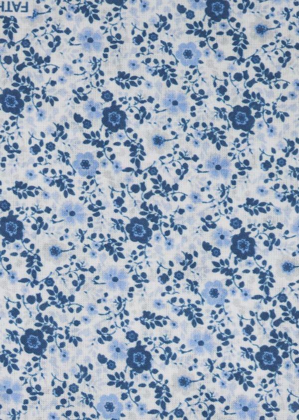 Pochette en coton blanche à motif fleuri bleu indigo et bleu clair - Father and Sons 6715