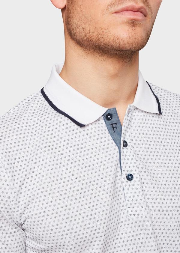 Polo manches courtes Slim en coton blanc à motifs bleus - Father and Sons 7593