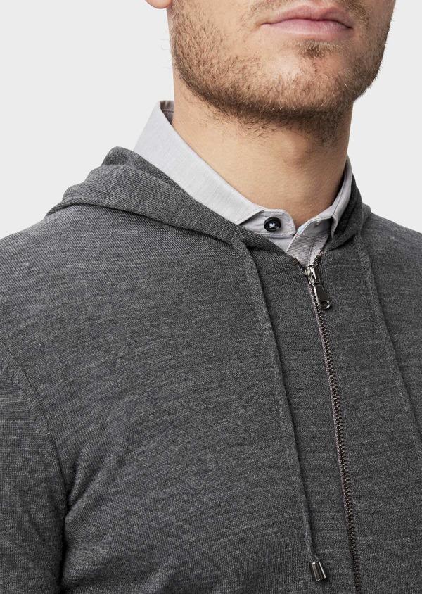 Gilet à capuche zippé en laine Mérinos unie grise - Father and Sons 39320