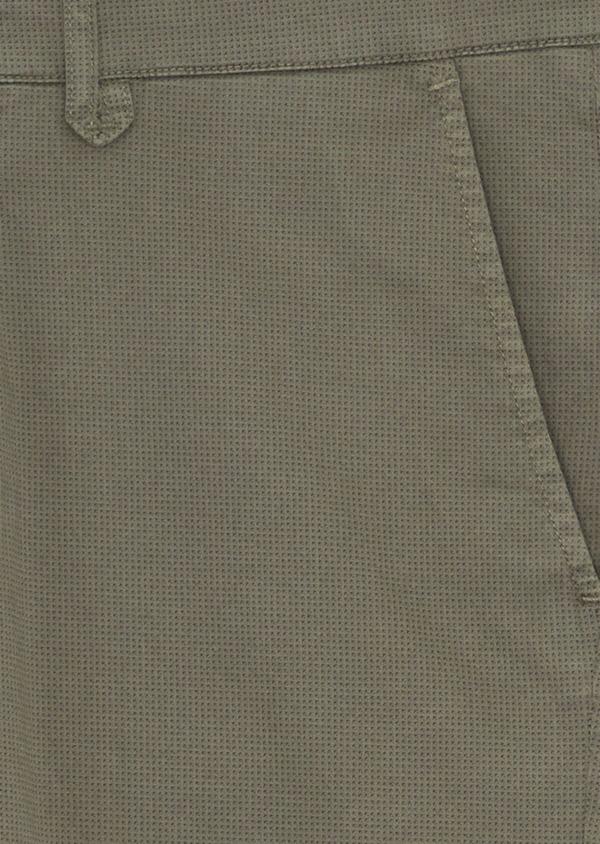Chino slack skinny en coton stretch à micro motifs géométriques vert kaki - Father and Sons 38713