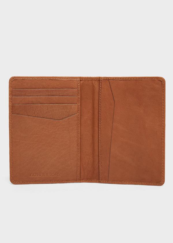 Portefeuille pour passeport en cuir grainé cognac - Father and Sons 37259