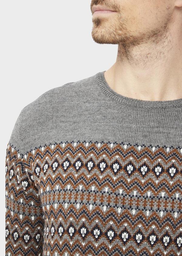 Pull en laine mélangée col rond gris à motifs géométriques - Father and Sons 36825