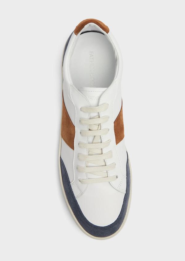 Baskets basses en cuir blanc avec empiècements bleu et cognac - Father and Sons 38986